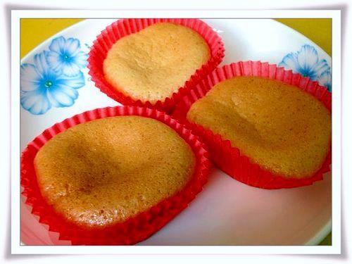 棉花蜂蜜杯子蛋糕-0.jpg