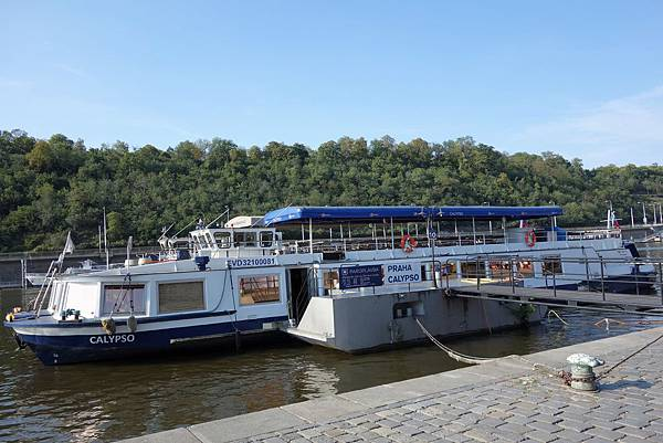 伏爾他瓦河遊船 (1).JPG