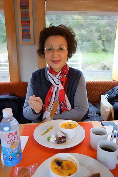 橘子食堂列車.jpg