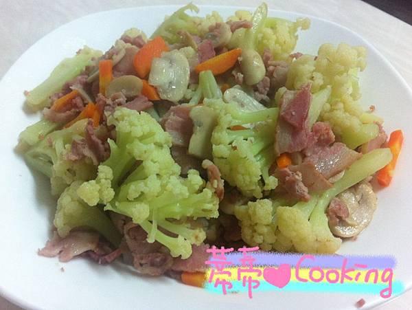 花椰菜炒培根