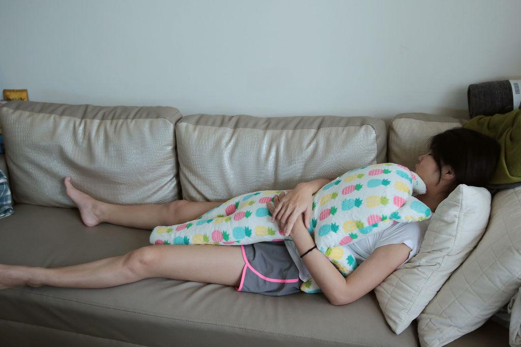 5W2D 老婆很明顯有嗜睡的情形、肚子也很明顯有不適的症狀出現