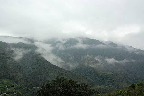 上山的途中天氣不好...
