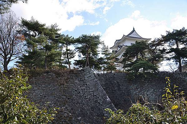上野城護城河以及高聳的石垣
