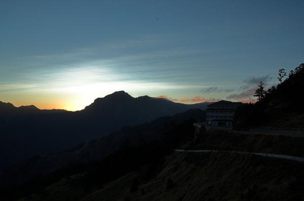 太陽快出來了