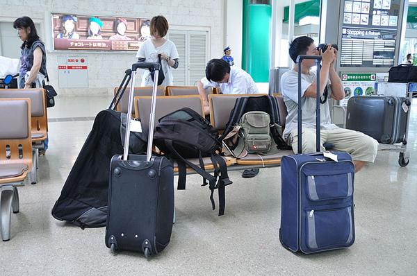 行李還是很多...