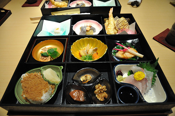 這次我們要吃的是傳統的日式午餐