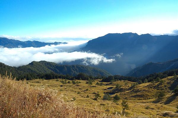 合歡山莊前的風景