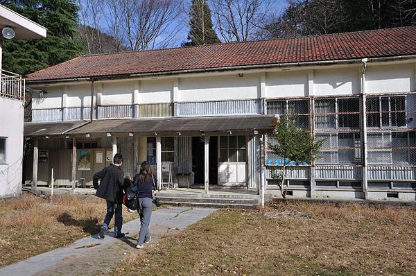 由舊校舍改成的基地