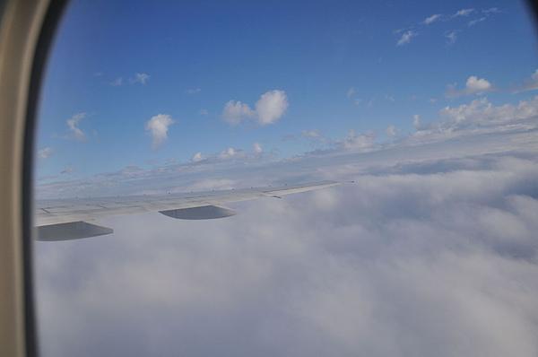 突破雲層了