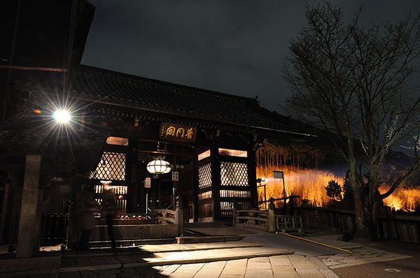 從這個「普門閣」開始才算是清水寺的建築主體