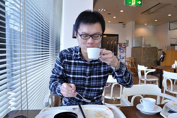 喝奶茶XD