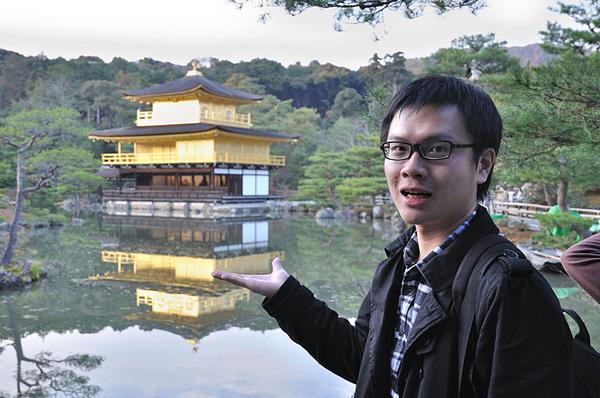 和金閣寺的觀光客照也是不可少的啦XD
