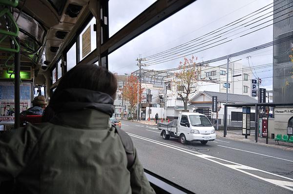 搭公車來到了位於京都市北區的「深泥池」