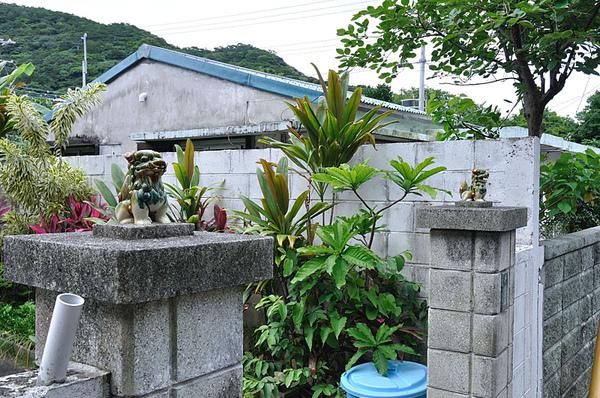 渡嘉敷神社旁的民宅...