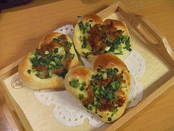 台式香蔥麵包 002.jpg