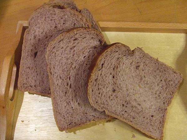 紅香米粉~紫香米粉吐司 003.jpg