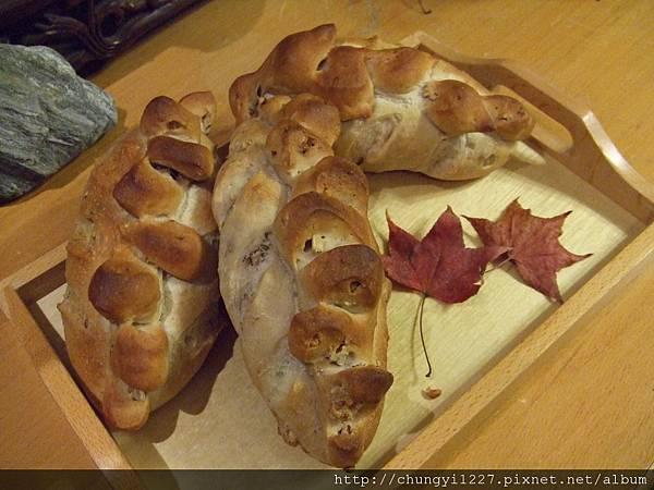 核桃起司麵包 007.jpg