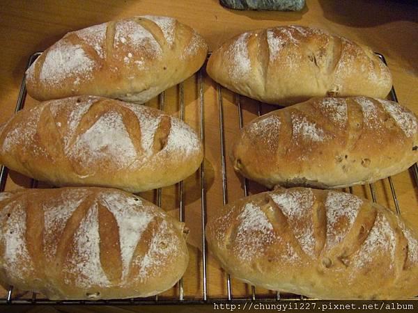 核桃起司麵包 016.jpg
