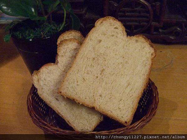 紅香米粉吐司 ~帕瑪森起士麵包 013.jpg