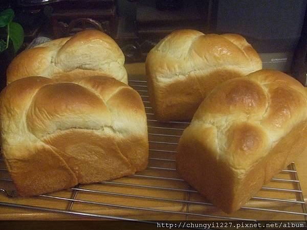 2012.3.14 歐蕾辮子吐司 紫薯乳酪丁 014