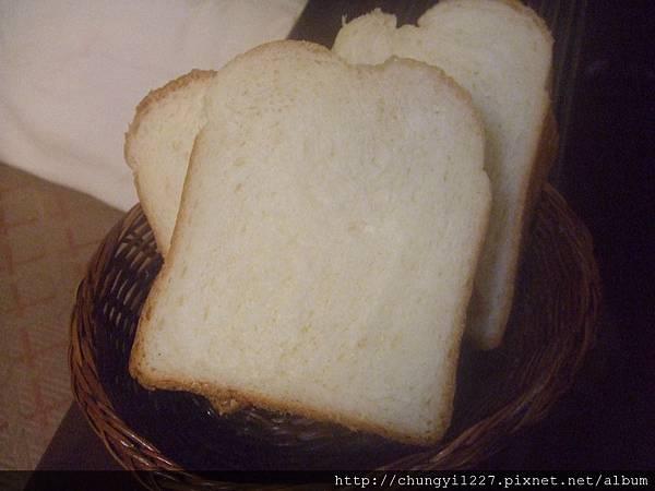 2012.3.14 歐蕾辮子吐司 紫薯乳酪丁 017