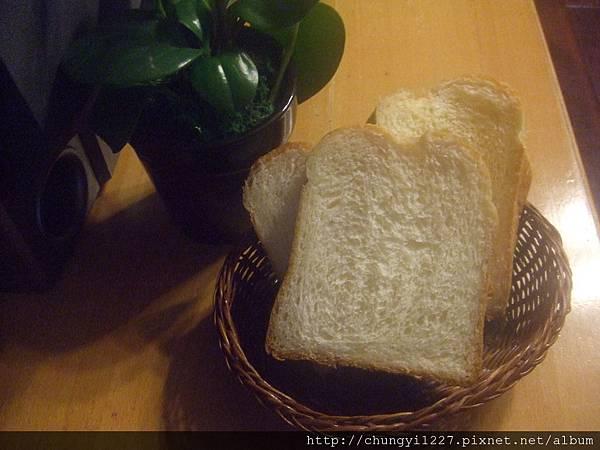 2012.3.14 歐蕾辮子吐司 紫薯乳酪丁 018