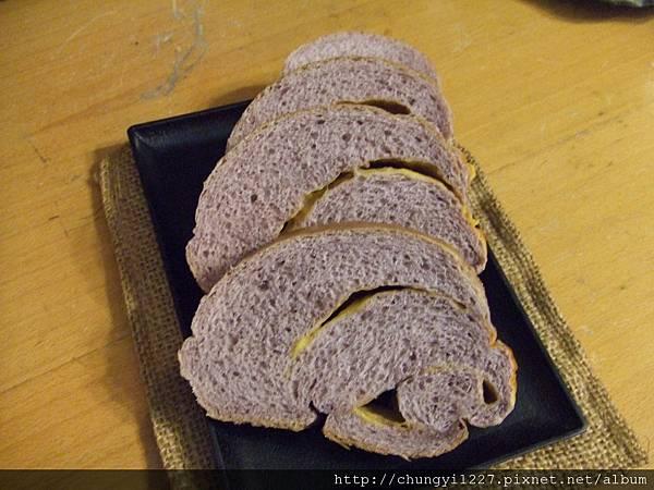 五穀米吐司與紫秈香米吐司 009