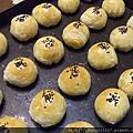 2012.9.16芋頭蛋黃酥 003