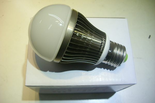 LED E27 球泡