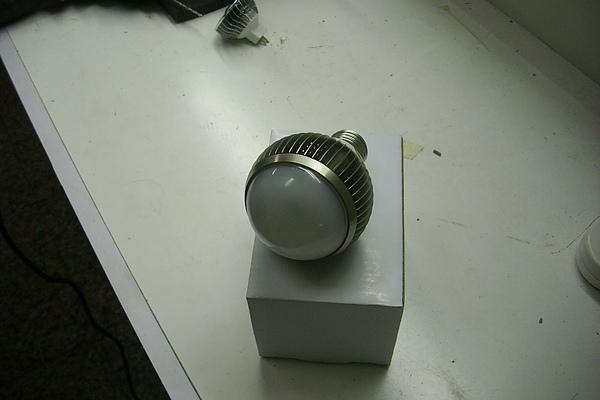 LED E27 燈泡