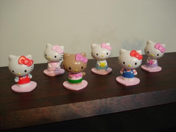 Hello Kitty 搖頭娃娃