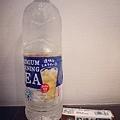 日本很夯的透明奶茶和記憶口香糖.jpg