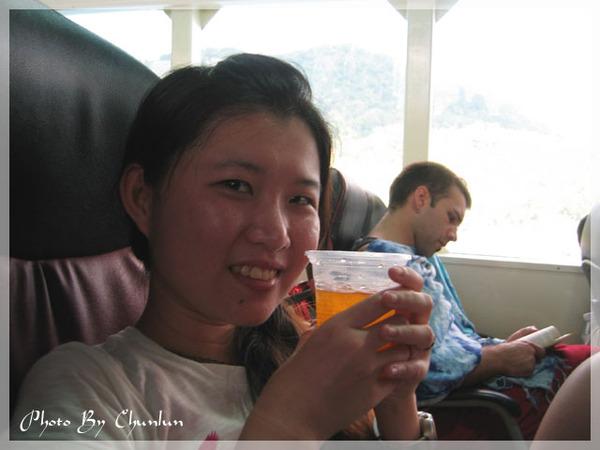 飛翼船 - 喝飲料
