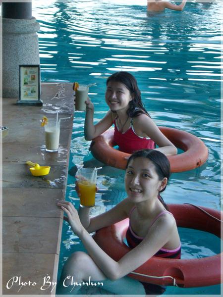 Nora 泳池吧台 - 靖妹 & 靖