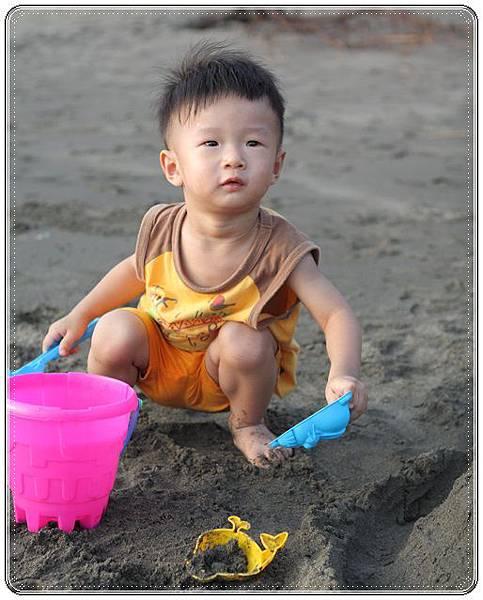 海邊玩沙戲水 (7)