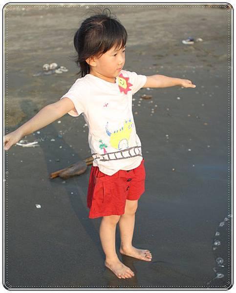 海邊玩沙戲水 (9)