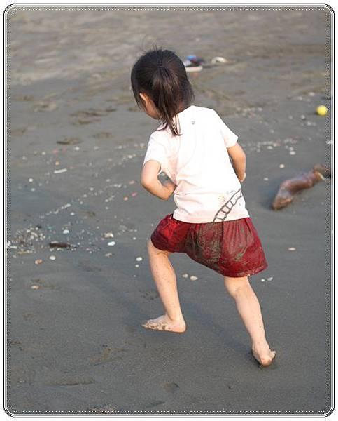 海邊玩沙戲水 (10)