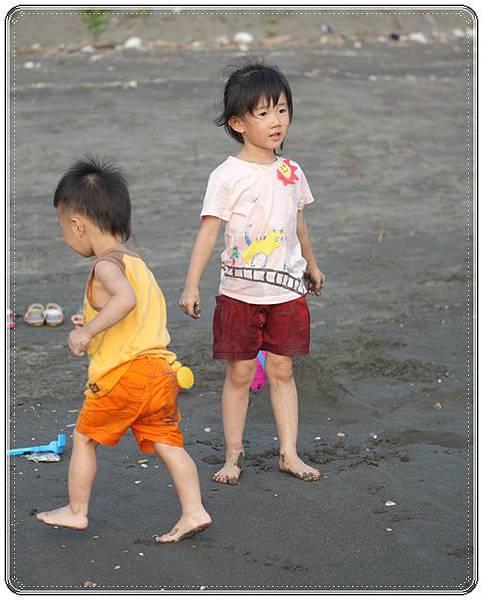 海邊玩沙戲水 (13)