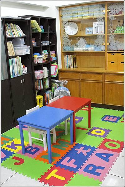 兒童桌椅 (1)
