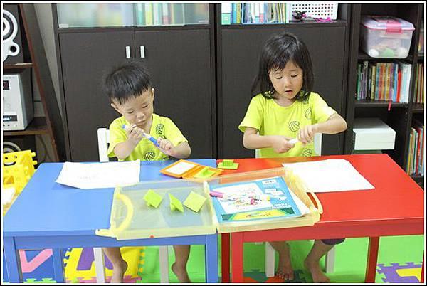 兒童桌椅 (5)