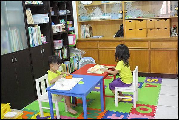 兒童桌椅 (6)