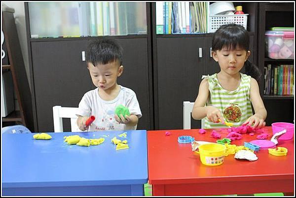兒童桌椅(8)
