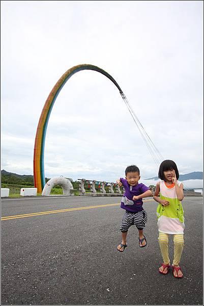 七彩釣竿橋 (10)