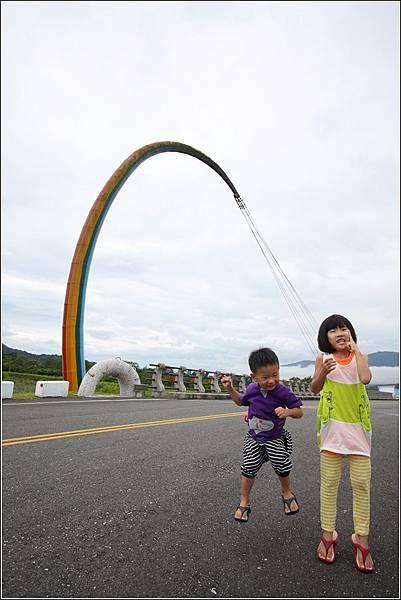 七彩釣竿橋 (11)