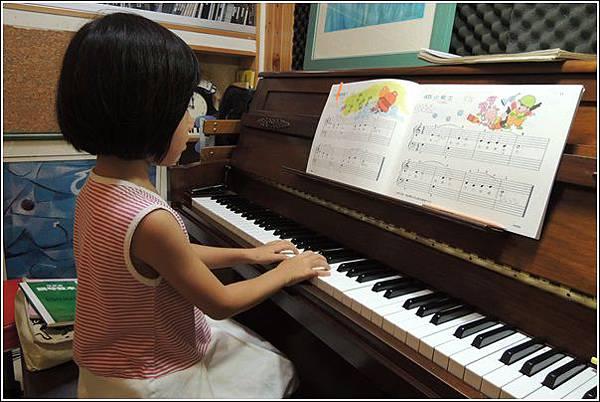鋼琴練習 (1)