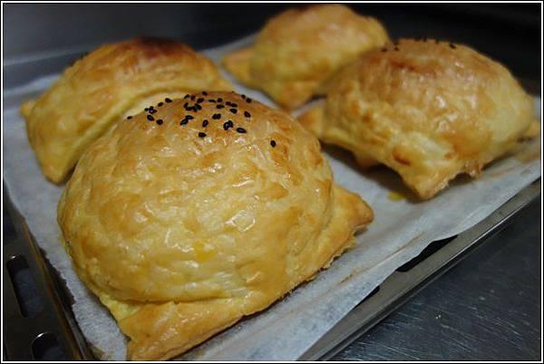 起酥肉鬆麵包 (10)