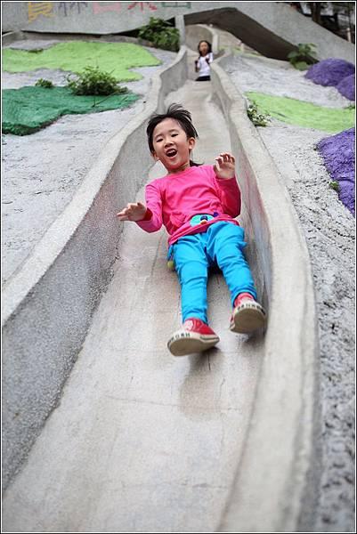 百果山溜滑梯 (4)