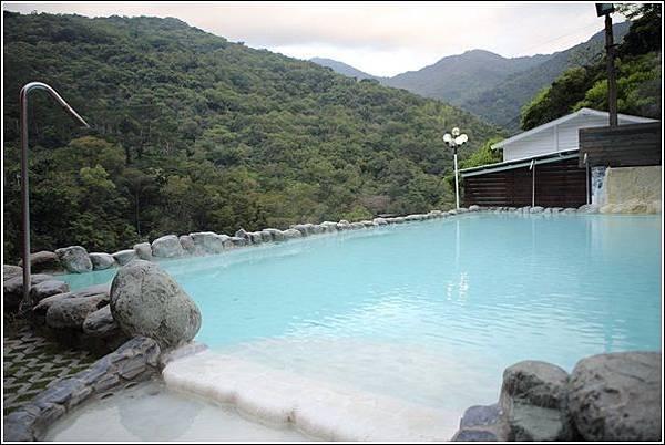 名泉旅遊山莊 (9)