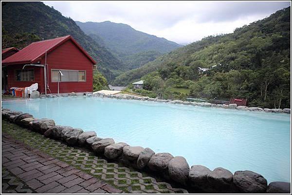 名泉旅遊山莊 (8)