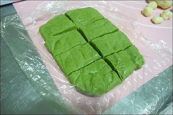 抹茶烏龜波蘿麵包 (9)
